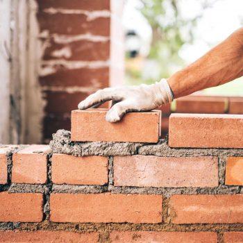 Mann Mauert Wand